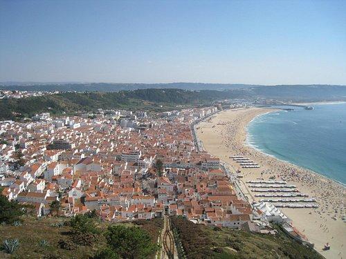Замечательная панорама с квартала Ситиу (Sitio)