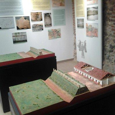 Paneles y maquetas permiten imaginar lo que fue el León romano.