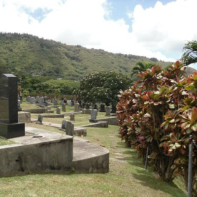 Manoa Valley Cemetery 18