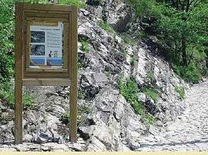 foto 1 - Luogo interesse geologico con pannello descrittivo.