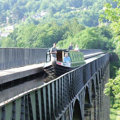 Narrowboat going over the Pontcysllte Aqueduct