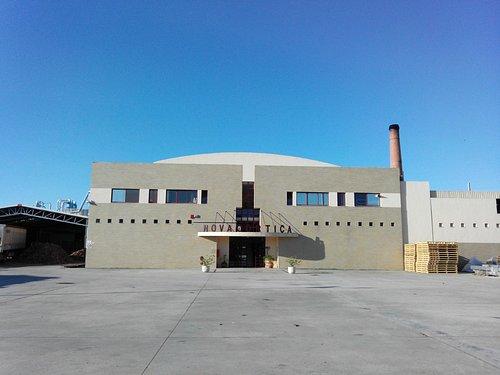 Novacortiça's front entrance view