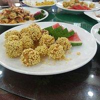 """Fruit at """"The Diplomatic Restaurant"""" in Pyongyang, (June 2014)"""