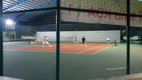 Batam city's first indoor tennis. Very good.