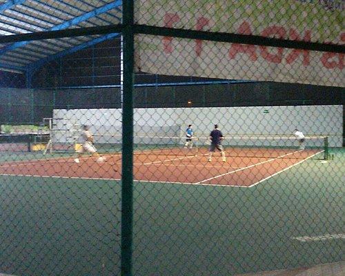 Batam city's first indoor tennis. Very good.