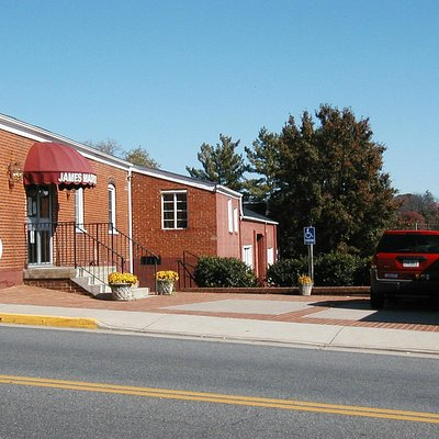 Side view of the museum; formerly Powell Motor Co. (Circa 1930's)