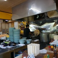Marushin Ramen: Kitchen