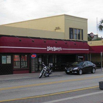 Dirty Harrys Pub on Main Street