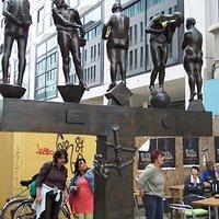 Skulptur Unzeitgemäße Zeitgenossen