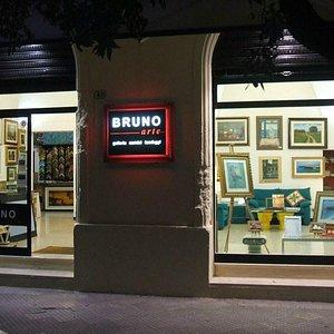 esterno galleria Bruno Arte