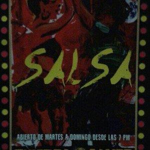Cartagena das Índias,  Colômbia Salsa Quiebra Canto y rumbo al bailar.