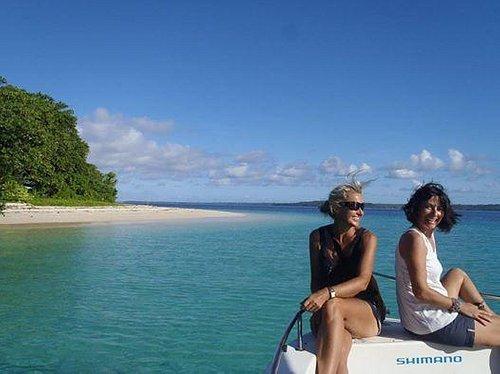 Island hopping great way to see santo