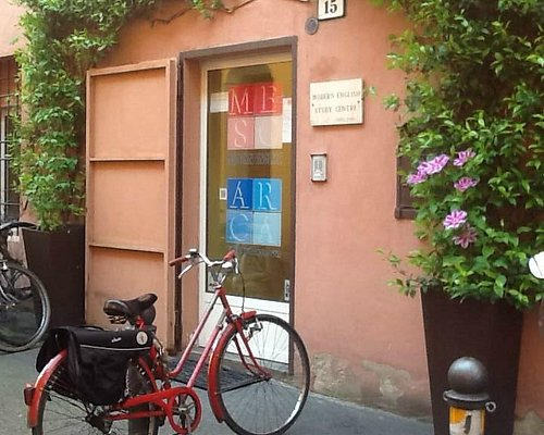Arca Italian in Bologna - our entrance in the heart of Medieval Bologna