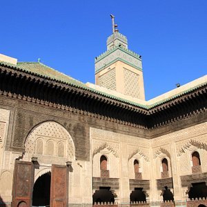 神学校とモスクタワー