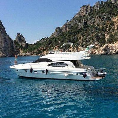Yacht Beball a Perda Longa www.chartersardinia.com