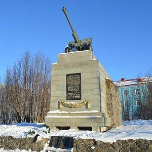 Monumento ao sexto pelotão de bateria anti-aérea de Komsomol-Murmansk
