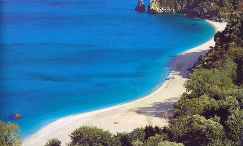 Beach of Agioi Saranta on Pilio close to Horefto-Zagora!