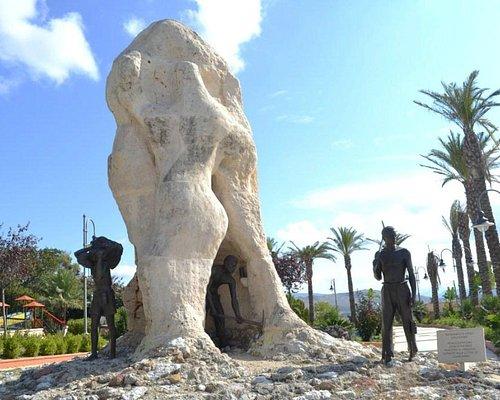 Monumento Allo Zolfataro