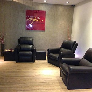 Reception - We receive you with utmost Graciousness. Soundproofed! with relaxing spa music