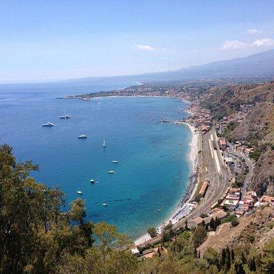 Veduta su Giardini Naxos
