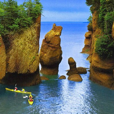 Bay of Fundy @ high tide_New Brunswick_Can