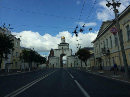 Троицкая церковь рядом с Золотыми Воротами