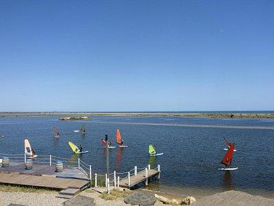 L'étang pour la voile, planche à voile, paddle