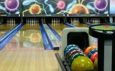 12 State-of-the-art bowling lanes