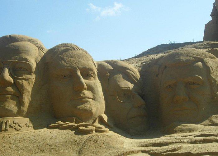 Statues de sable