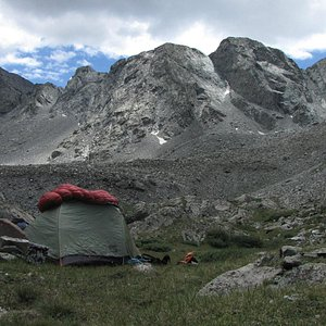 Camping near S Zapata Lake