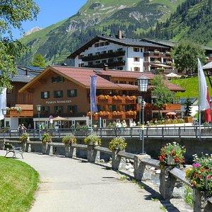 Tolle Lage - Skilifte, Skischule, Restaurants, Supermarkt, etc in unmittelbarer Nähe