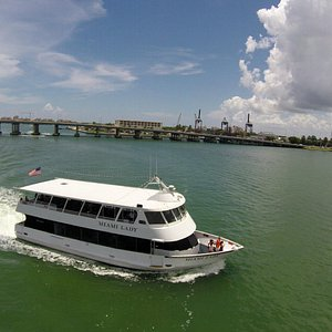 The Miami Lady is cruising passed Miami Beach and headed toward Star Island and Millionaire's Ro