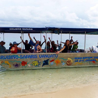 Happy Passengers - Malo Mystery Tour - Cruising Safaris Santo, Vanautu