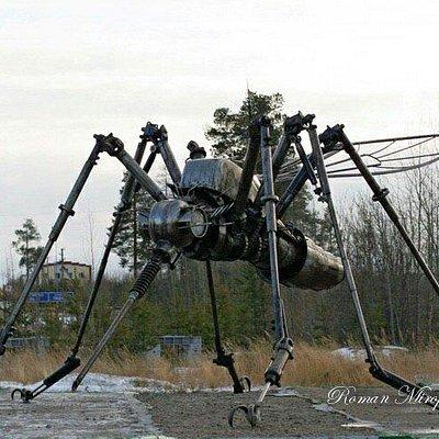 Памятник комары в Ноябрьске
