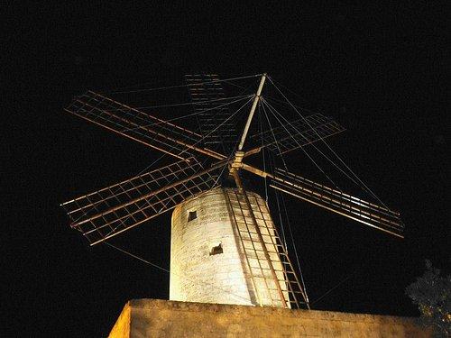 Xarolla Windmill by night