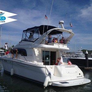 Nuestros clientes disfrutando a bordo del Sea Ray 50