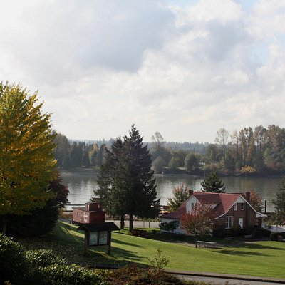 Maple Ridge Museum and the Fraser River