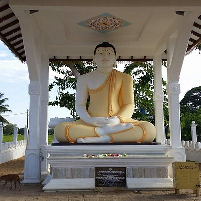 Tissa temple Buddha statute