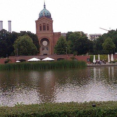 Engelbecken mit St. Michaelskirche