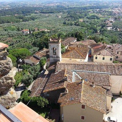 il borgo visto dalla torre del castello