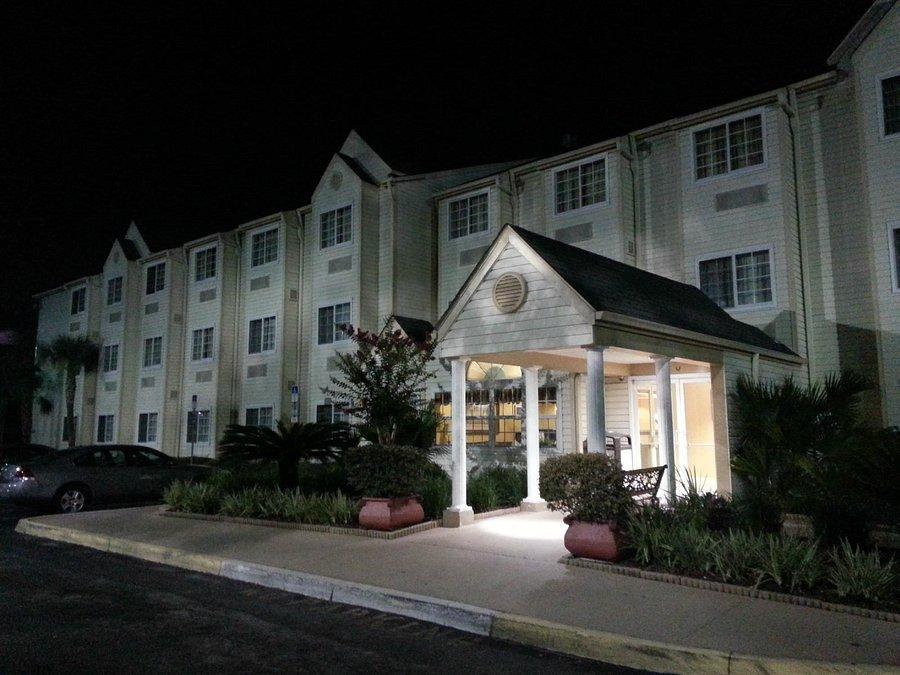 Hometown Inn Suites 66 9 2