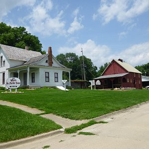 Moore House & Barn