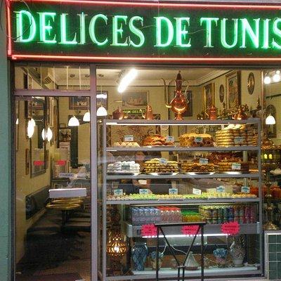 """Façade du salon de thé """"Délices de Tunis"""""""
