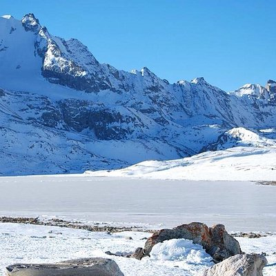 A frozen Cholamu lake - India's highest fresh water lake