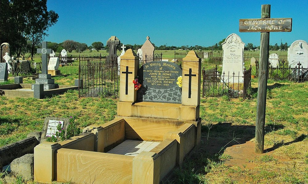 Jack Howe's Grave at the Blackall cemetry