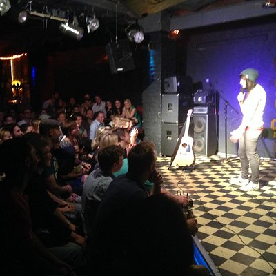 Stand Up Comedy (hier mit Jacqueline Feldmann)
