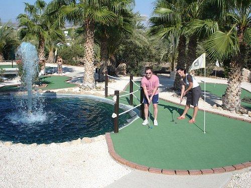 Enjoy Island Cove Adventure Mini Golf