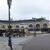広場の建物