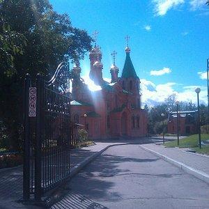 Храм Святителя Иннокентия Иркутского (вход с улицы Тургенева)