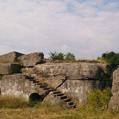 руины заречного форта